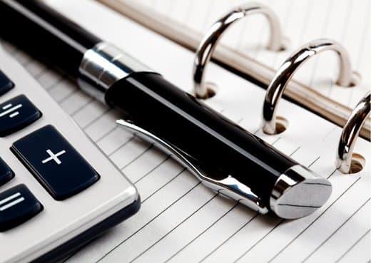 Eindafrekening pen en papier